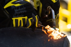 2009 NASCAR Toyota SaveMart 350 104 - Joey Logano pit crew